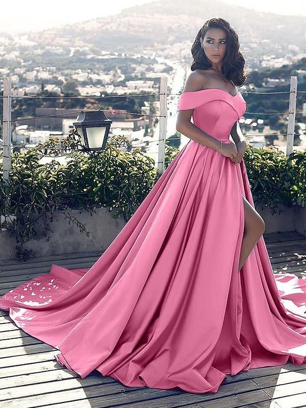 A-Linie/Princess-Stil Ärmellos Carmen-Ausschnitt Rüschen Satin Hof-Schleppe Kleider