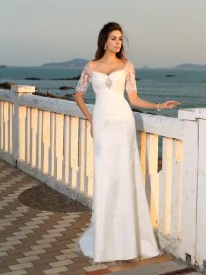 Etui-Linie Herzausschnitt Applikationen Kurze Ärmel Lange Satin Strand Brautkleider